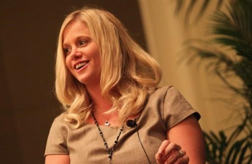 巴菲特左右手 30歲女執行長分享企業成功祕訣 | 鉅亨網 - 時事