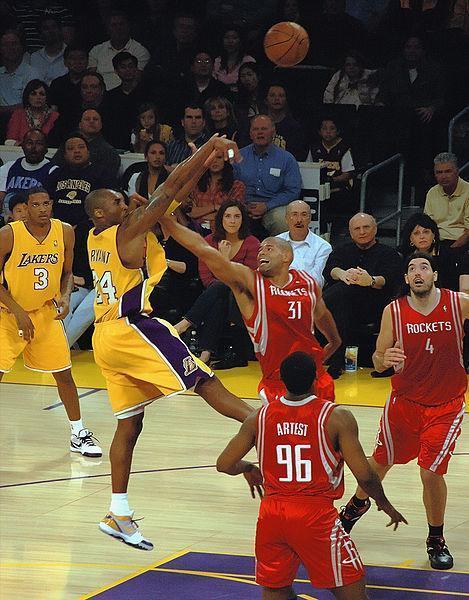 Kobe Bryant招牌後仰跳投