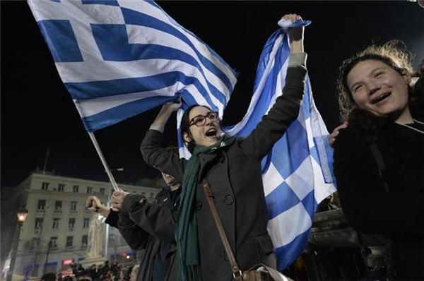支持Syriza的希臘選民 (圖:AFP)