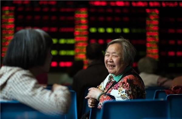 近來中國股市漲幅屢屢超過分析師預期(圖:AFP)