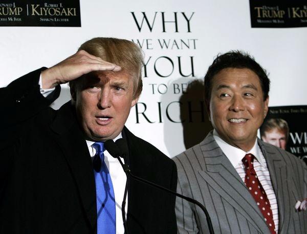 2016 美國共和黨候選人川普 (左) 與 羅伯特清崎 (右) 於 2006 年時的合照 資料圖片:afp