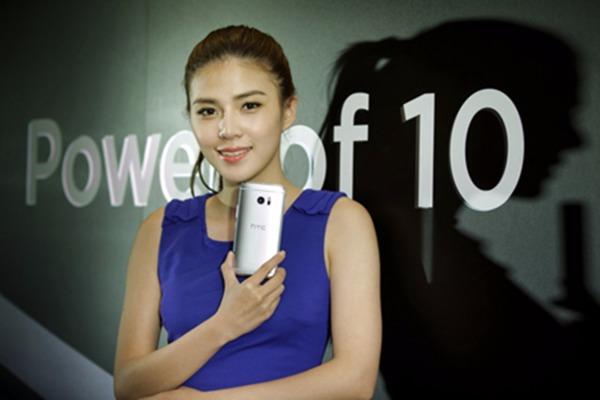 宏達電旗艦手機HTC 10。(資料照,圖:宏達電提供)