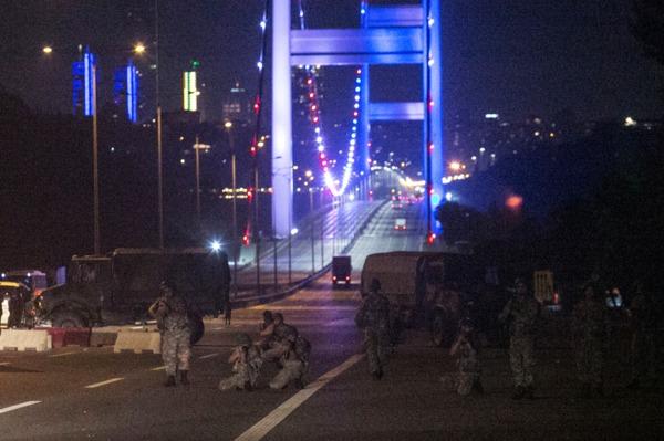 土耳其驚爆軍事政變 圖片來源:afp