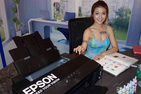 Epson更以市占63%的銷售量以及69%的銷售額,拿下市占雙冠王的龍頭寶座。(鉅亨網記者張欽發攝)