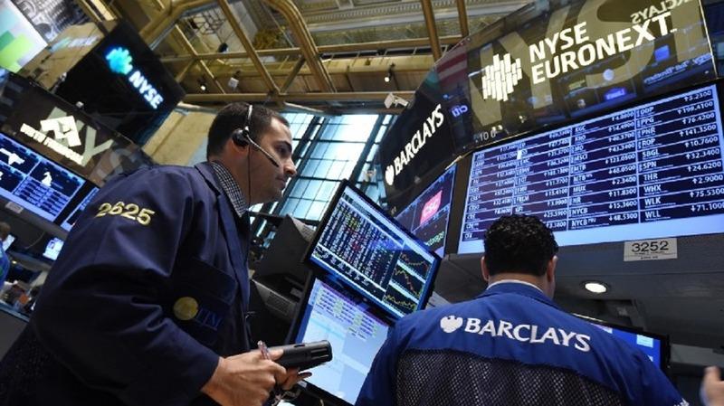 避險基金大佬辛格警告投資人,勿輕忽債市泡沫破裂危險。(圖片來源:AFP)
