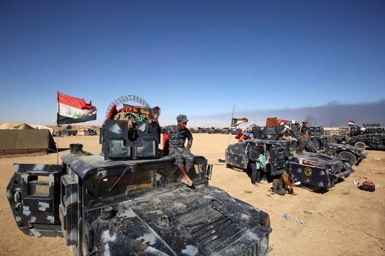 大量裝備集結,準備攻入摩蘇爾,圍剿ISIS。  (圖:AFP)
