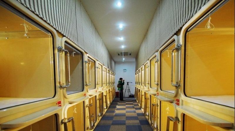 香港的「太空艙」概念源自日本的「膠囊旅館」  (圖:AFP)