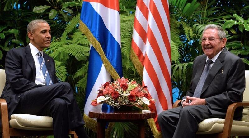 2016年3月21日,歐巴馬興勞爾‧卡斯楚會晤。  (圖:AFP)