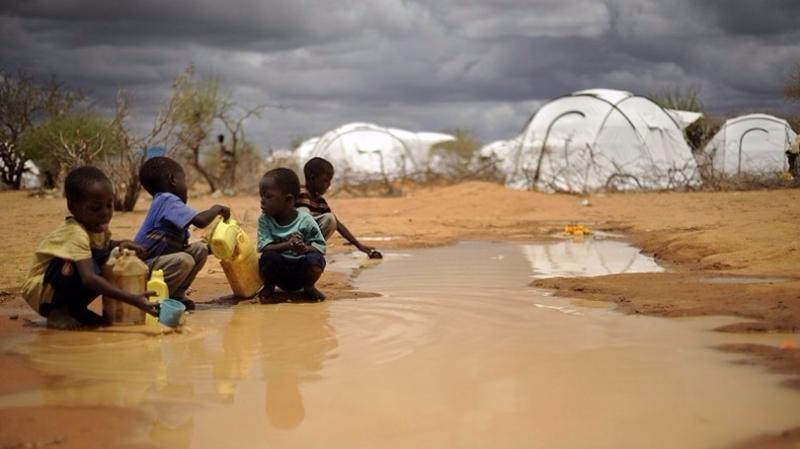 水源枯竭,大量畜牧業瀕臨倒閉,兒童嚴重營養不良。  (圖:AFP)