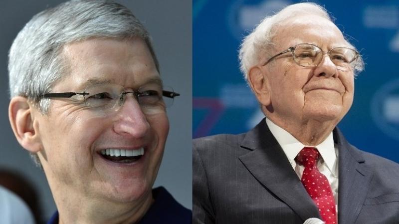 左:蘋果執行長庫克,右:巴菲特。(圖片來源:AFP)