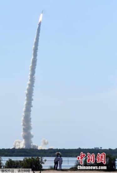 當地時間2016年6月22日,印度空間研究組織(ISRO)於上午9時26分成功利用PSLV-C34運載火箭將20顆衛星送入太空。 圖片來源:中新網