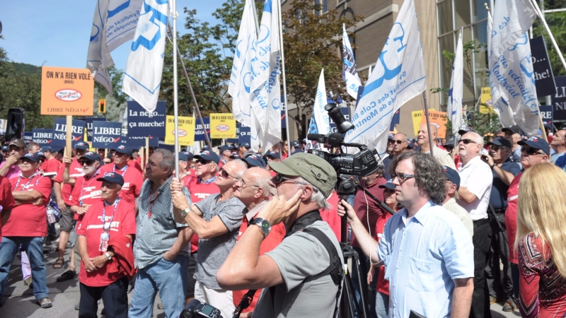 圖:AFP 爭權益 民眾抗議