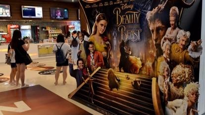 迪士尼最新電影於新加坡戲院的宣傳擺設。(AFP)