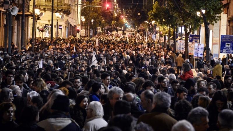 圖:AFP 金融危機引來抗議人潮