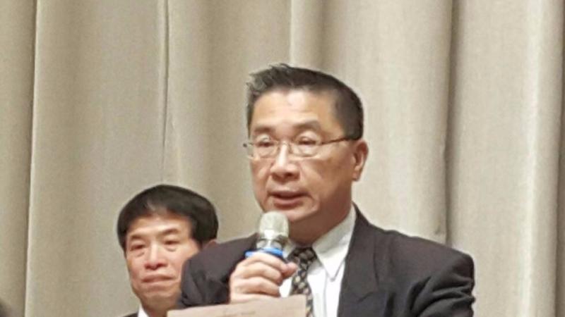 行政院發言人徐國勇說明前瞻基礎建設,數位建設細項以及預算編列。(鉅亨網記者宋宜芳 攝)
