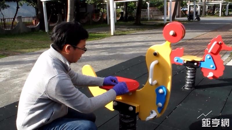 鴻海永齡基金會玩具義診,發現20%含有害塑化劑。(圖:永齡健康基金會提供)
