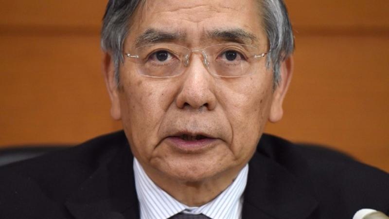 黑田東彥指出,雖然日本經濟前景趨於好轉,但通貨膨脹仍缺乏動能。(圖片來源:AFP)