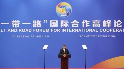 中國國家主席習近平在「一帶一路」論壇上演講。(圖:AFP)