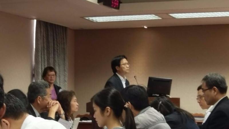 內政部長葉俊榮今日到立院針對租賃住宅市場發展條例草案備詢。(鉅亨網記者宋宜芳攝)