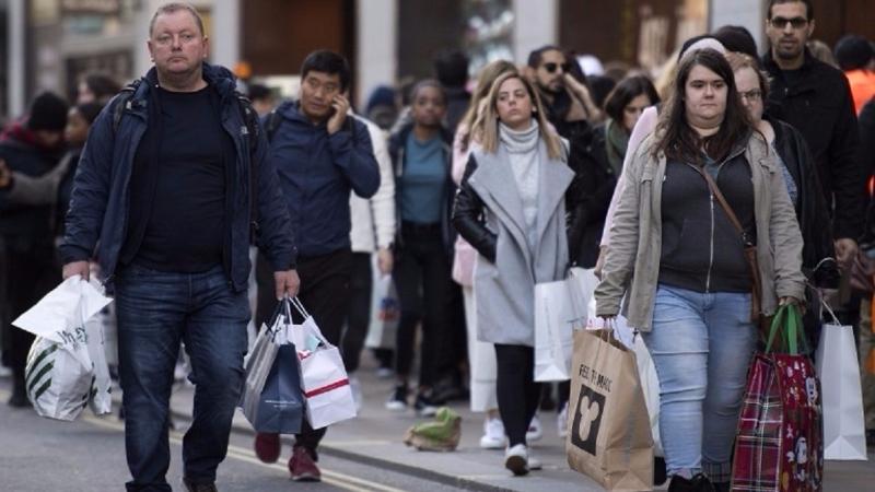 通貨膨脹在本月進一步削弱英國家庭的預算。(圖片來源:AFP)