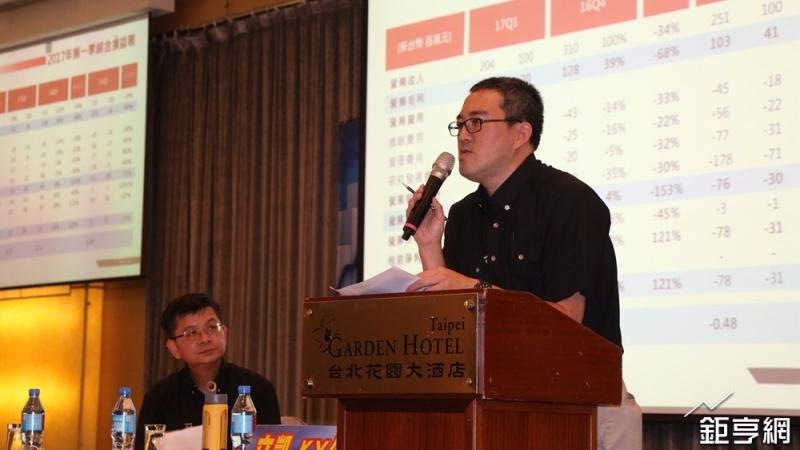 立凱-KY董事長張聖時(右)。(鉅亨網記者李宜儒攝)