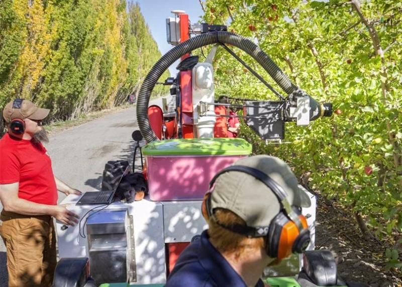 Aboundant Robotics的蘋果採摘機械人 圖片來源:香港矽谷