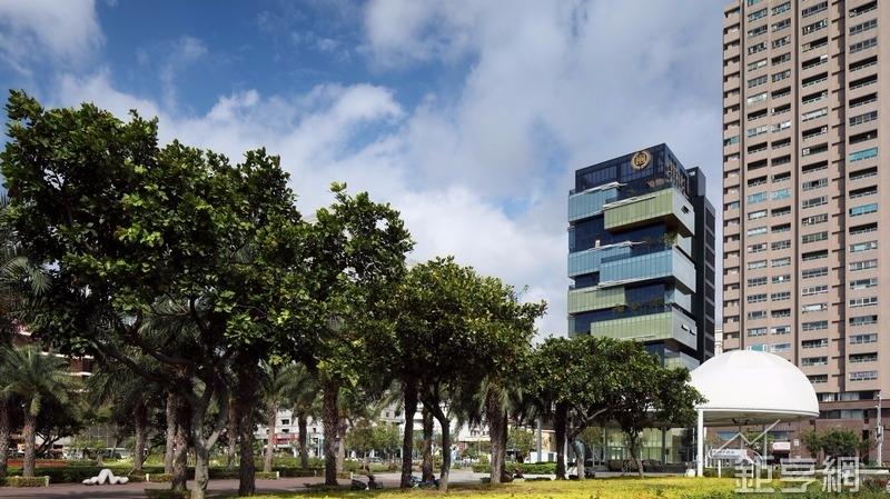 京城集團今遷入以「龍躍京城」主題設計新總部大樓。(圖:京城提供)
