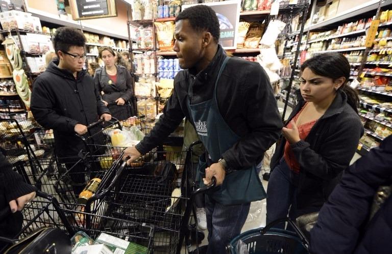 全食超市的「自生流量」對亞馬遜本身的收入和成本將有很大幫助。  (圖:AFP)