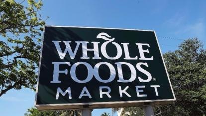 亞馬遜砸137億美元收購全食超市,在零售圈丟下一顆震憾彈。  (圖:AFP)