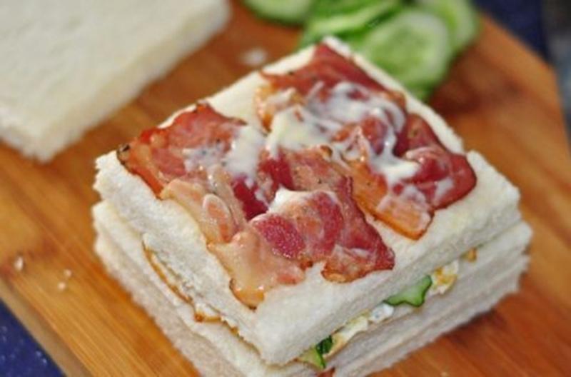 用培根做成的三明治,加上蔬菜,相當可口。  (圖取材自網路)