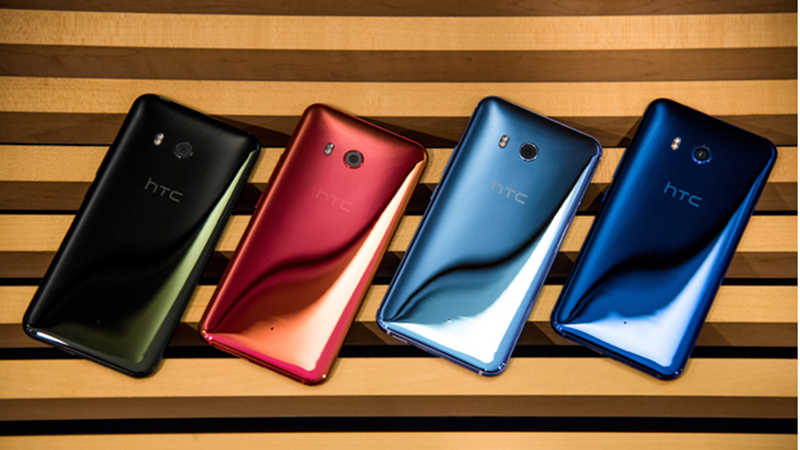 HTC U113D水漾玻璃外觀設計亮眼。(圖:宏達電提供)