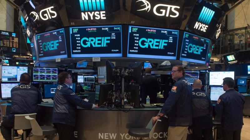 圖:AFP  美國股市週五收盤漲跌互見