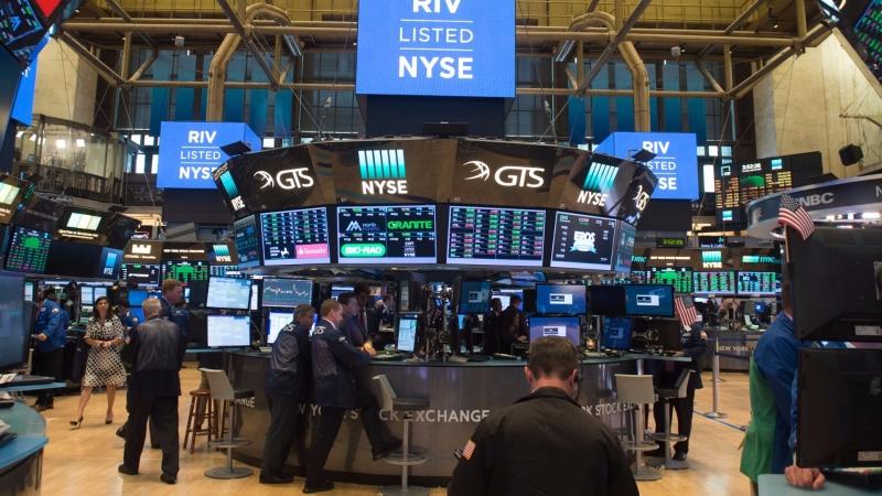 圖:AFP  美國股市週二回檔