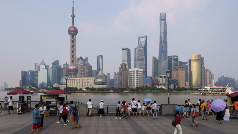 中國大陸四川發生大地震,恐有上千人傷亡。(圖為上海浦東 AFP)