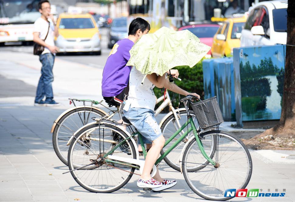 氣象局表示,明(11)日全台各地及金門地區都將是晴朗炎熱的天氣。(圖/NOWnews)