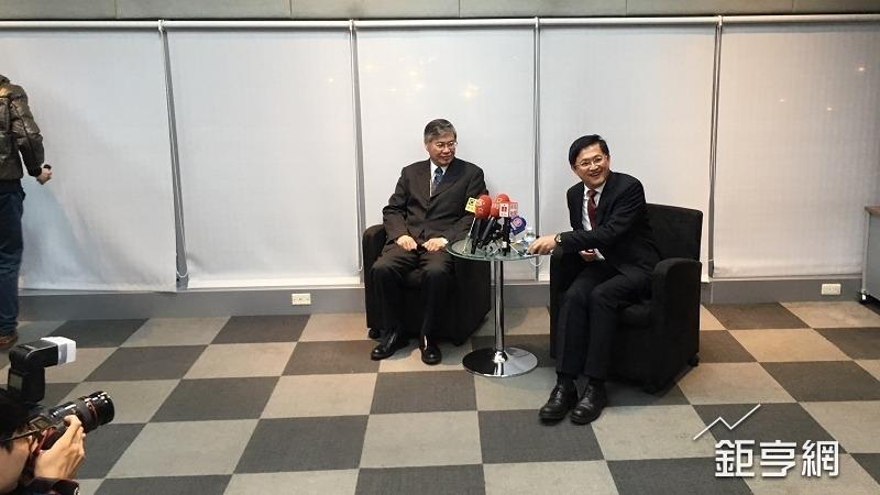 和碩董事長童子賢(右)與執行長廖賜政。(鉅亨網資料照)
