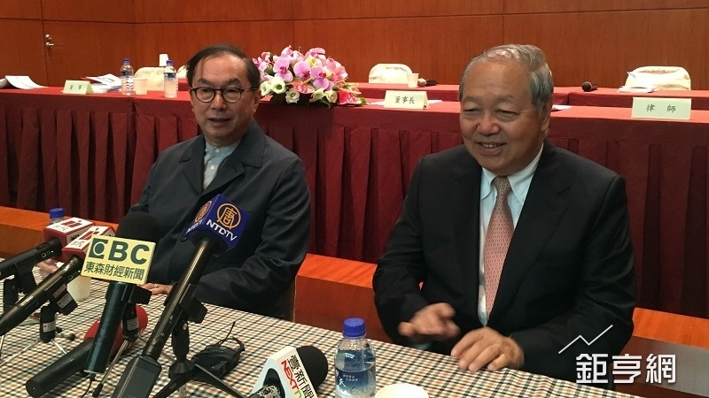 廣達董事長林百里(左)與副董梁次震。(鉅亨網資料照)