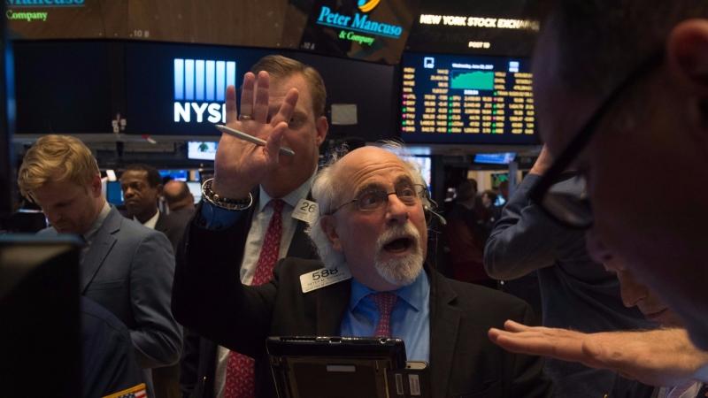 圖:AFP  美國股市週四大跌