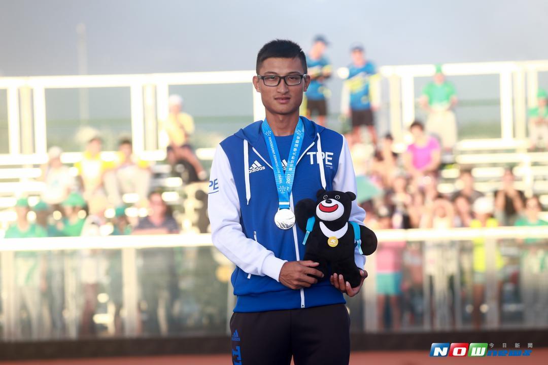 滑輪溜冰男子10,000m計點淘汰賽,中華台北選手柯福軒獲得銀牌。(圖/記者葉政勳攝 , 2017.08.21)