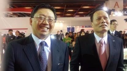 和泰車總經理蘇純興(左)與納智捷總經理蔡文榮(右)。(鉅亨網資料照)