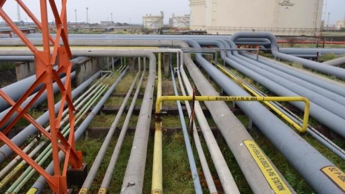 原油連三紅      (圖:AFP)