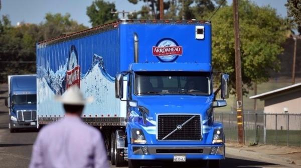 拖曳卡車載重力是電動車的重點      (圖取自網路)