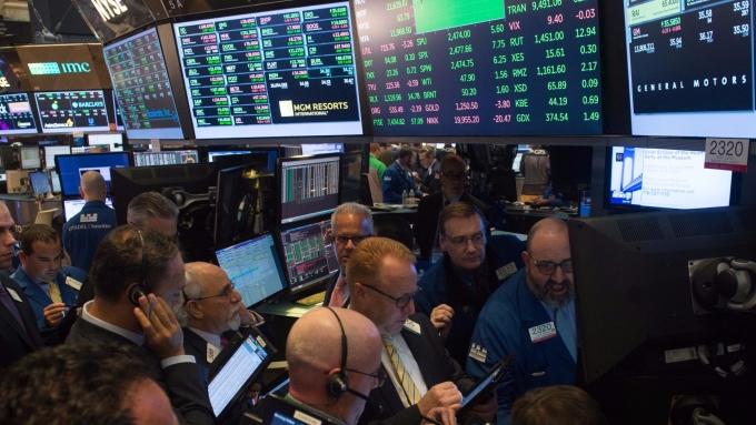 圖:AFP  美國指數期貨盤前進行整理