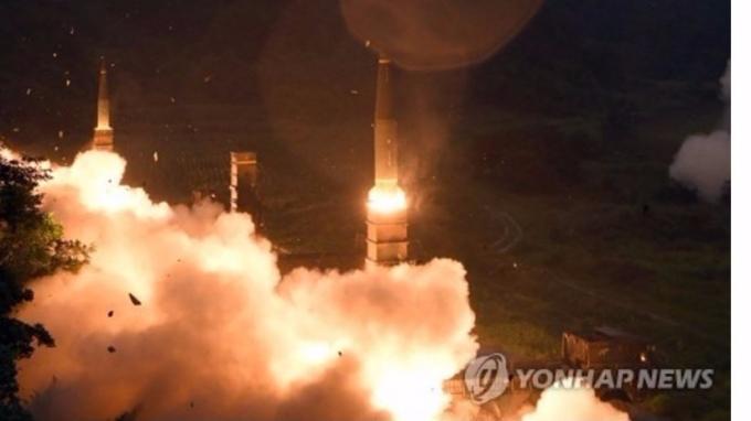 北韓今晨發射導彈後,南韓第一時間進行「玄武-2」彈道導彈試射。 (圖:韓聯社)