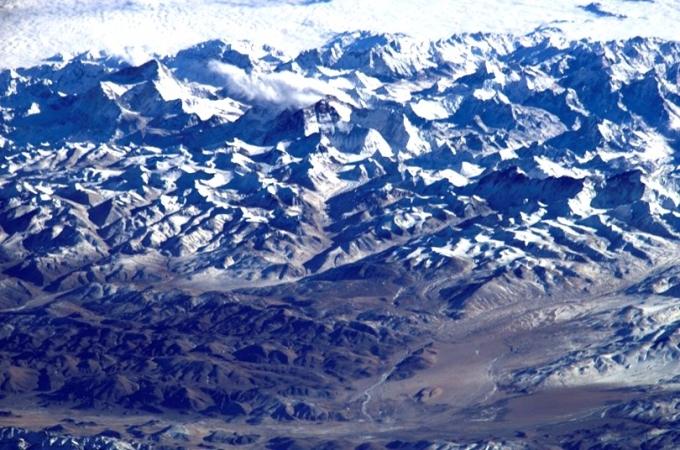 喜馬拉雅山冰川為大量中國及南亞人民提供食水、灌溉及水力發電。 (圖:AFP)