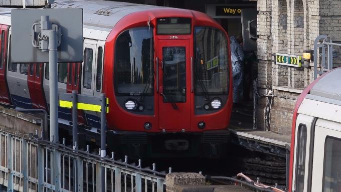 圖:AFP  倫敦鐵路發生爆炸案 造成數人臉部受傷