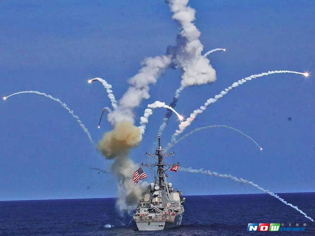 ▲美国勃克级驱逐舰苏利文兄弟号,飞弹离架後离奇发生爆炸案,所幸该舰舰长处置得宜,未造成过多伤亡。(图/美国海军)