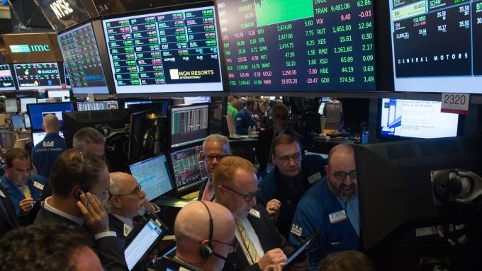圖:AFP  美國股市中場漲跌互見