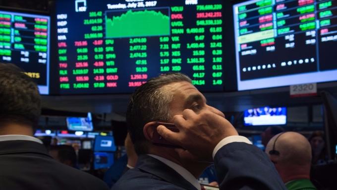 圖:AFP  美國股市週二中場走高