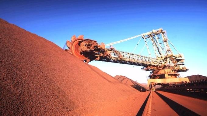 港交所暫定今年11月推出以美元現金結算的鐵礦砂期貨。 (圖:AFP)